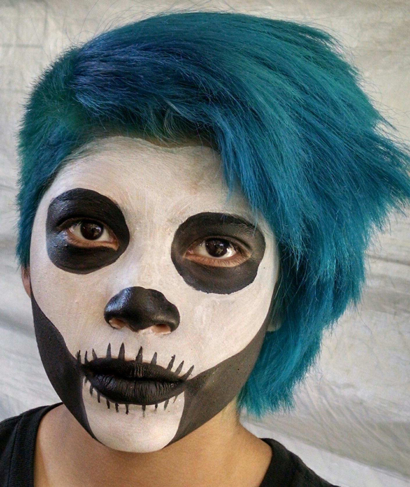 Blue-Hair-White-Face